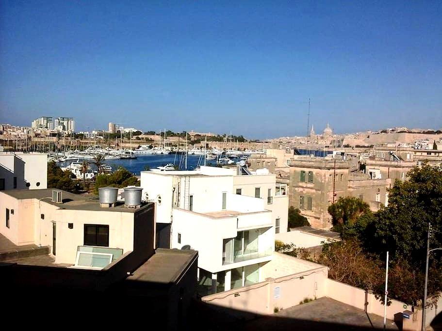 Double bedroom Amazing views in Gzira/ Ta Xbiex - Ta' Xbiex