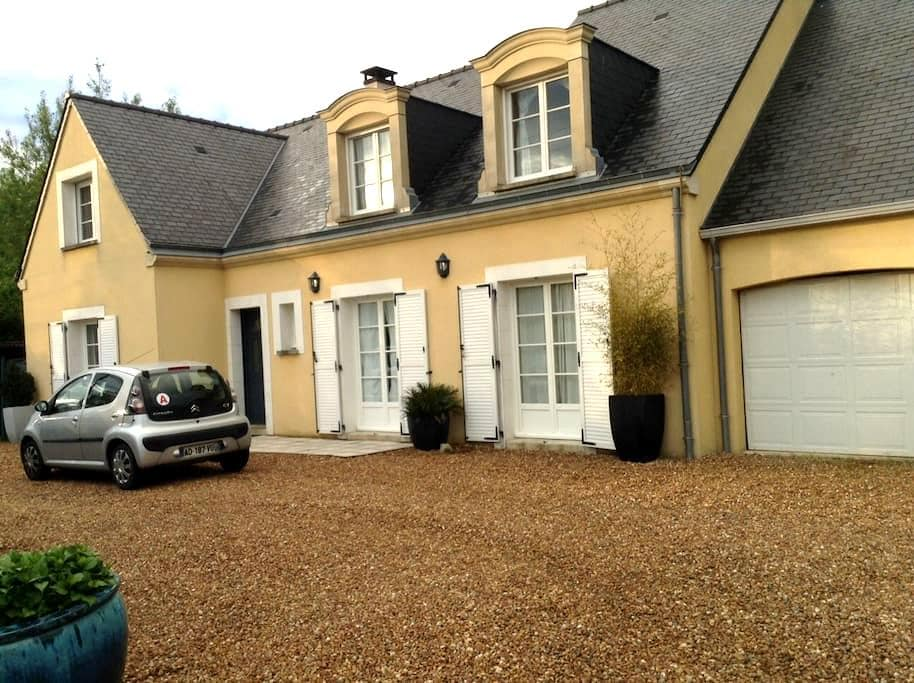 For Rent, Rooms on Le Mans 24 Hours Circuit - Arnage - Hus
