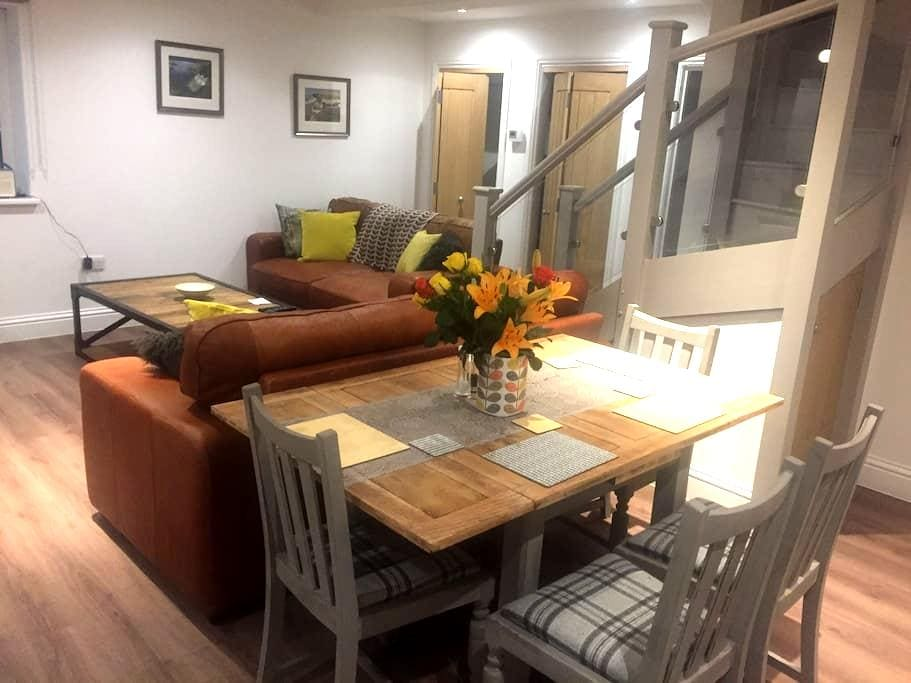 Stunning and Comfortable Apartment in Winchester - Kings Worthy - Lägenhet