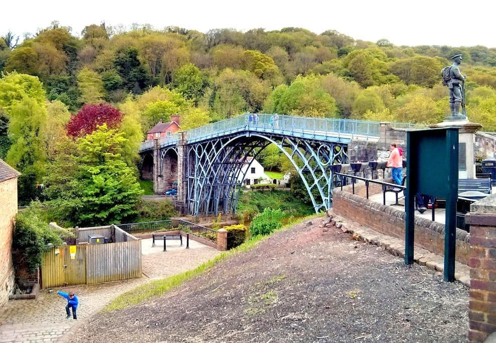 7.Cottage in Picturesque Ironbridge - Coalbrookdale - Dům