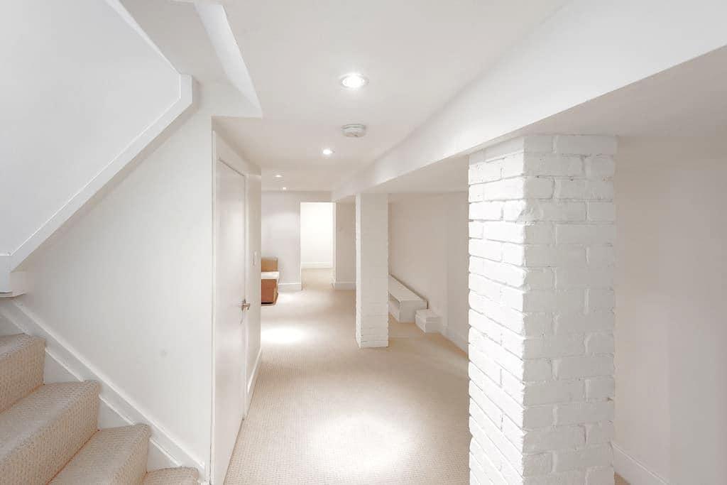 Private & fully equipped apartment near Ottawa St - Hamilton