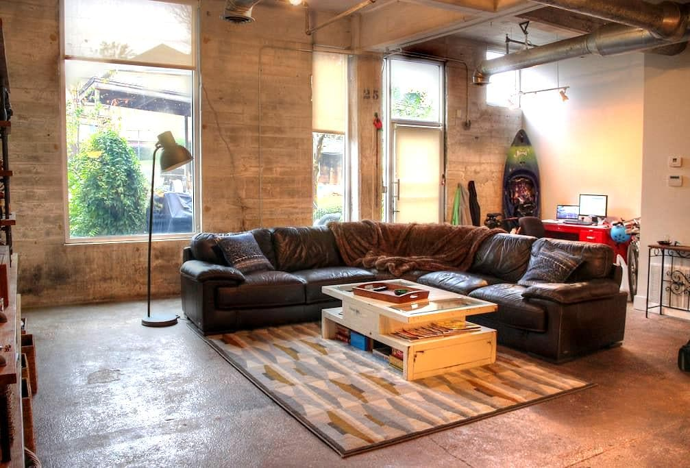Hip Historic Loft, Perfect Location - Atlanta - Loft