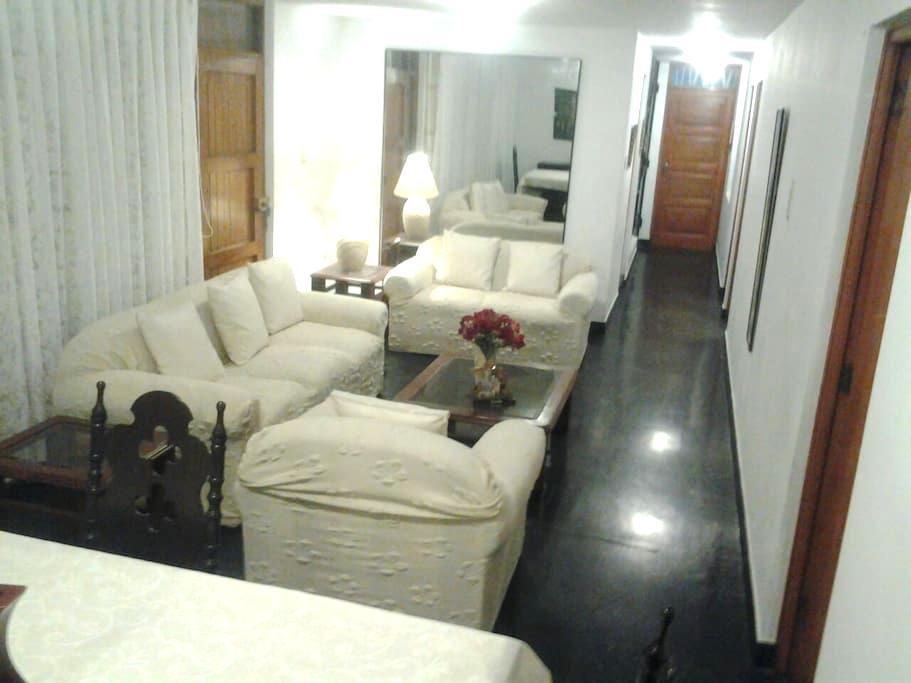 Large Private Apt Near the Airport - Distrito de Lima - Appartamento