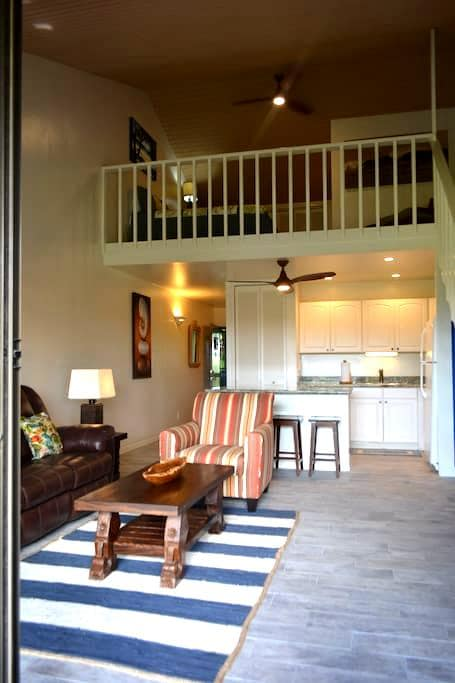 Charming One Bedroom + Loft Townhome - Kahuku - Stadswoning