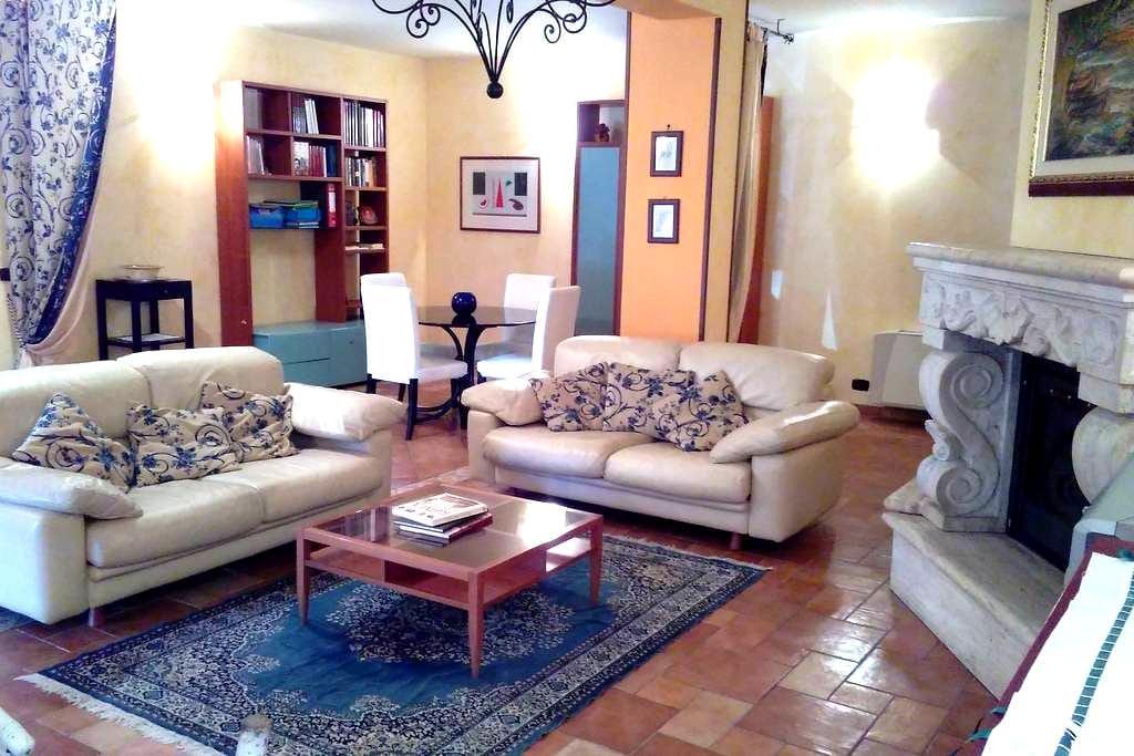 DOMUS  MARIANNA -  Appartamento in villa - Genzano di Roma