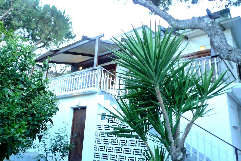 Beach-Mountain house good clean beach for family 4 - Vravrona - Talo