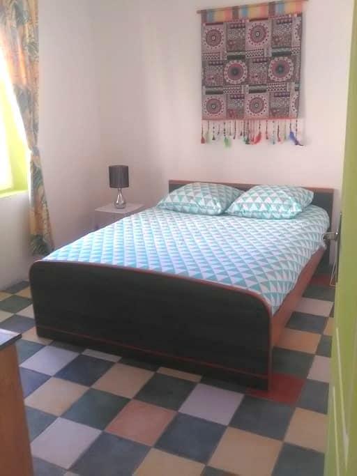 Chambre privatisée dans maison de village - Capestang - Rivitalo