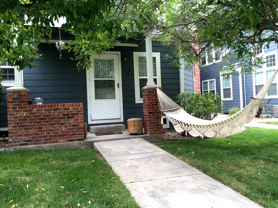 Cozy townhome betwn Denver &Boulder - Westminster - Townhouse