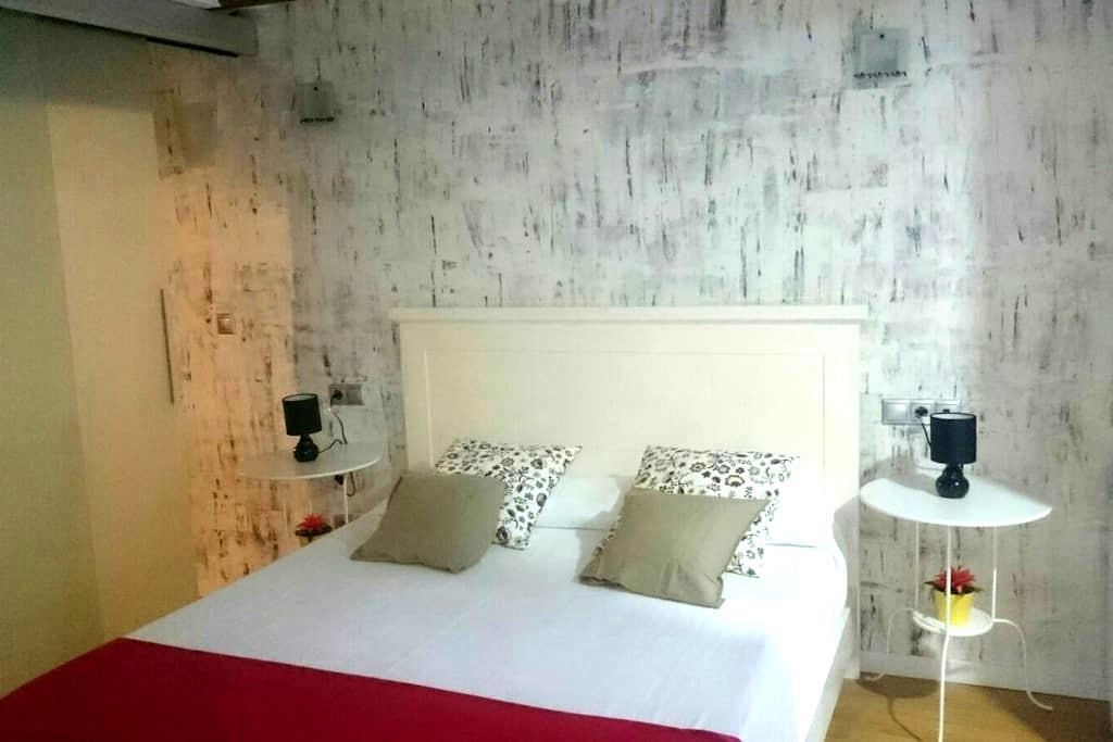 Apartamento en el casco antiguo - València - Apartment