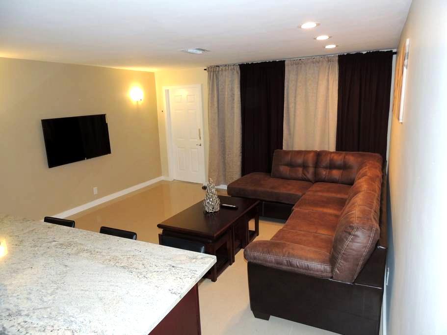 Cozi room in Pompano Beach - Pompano Beach - Haus