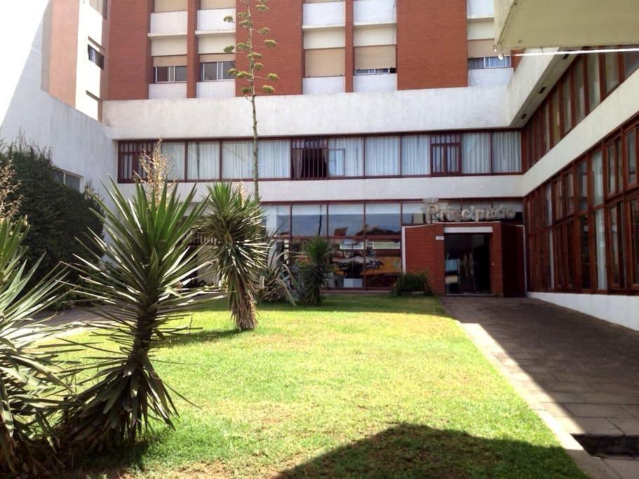 Dpto 4 personas con parking - San Bernardo - 公寓