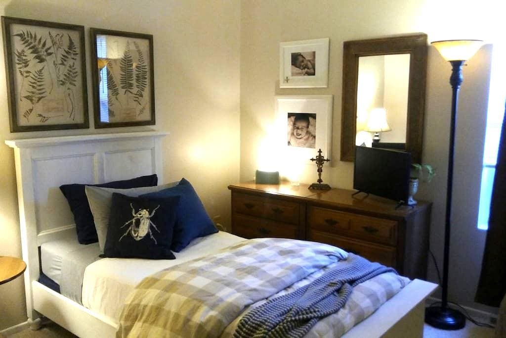 Clean & Comfortable in Mesa Too! - Mesa - Haus
