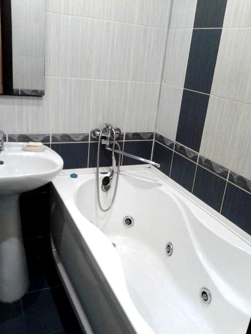 Квартира с джакузи - Kirov - Apartament