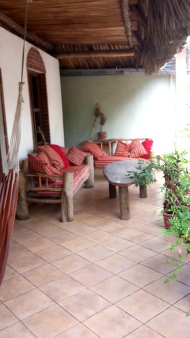 cuartos privados con terrasa - Monterrico - House