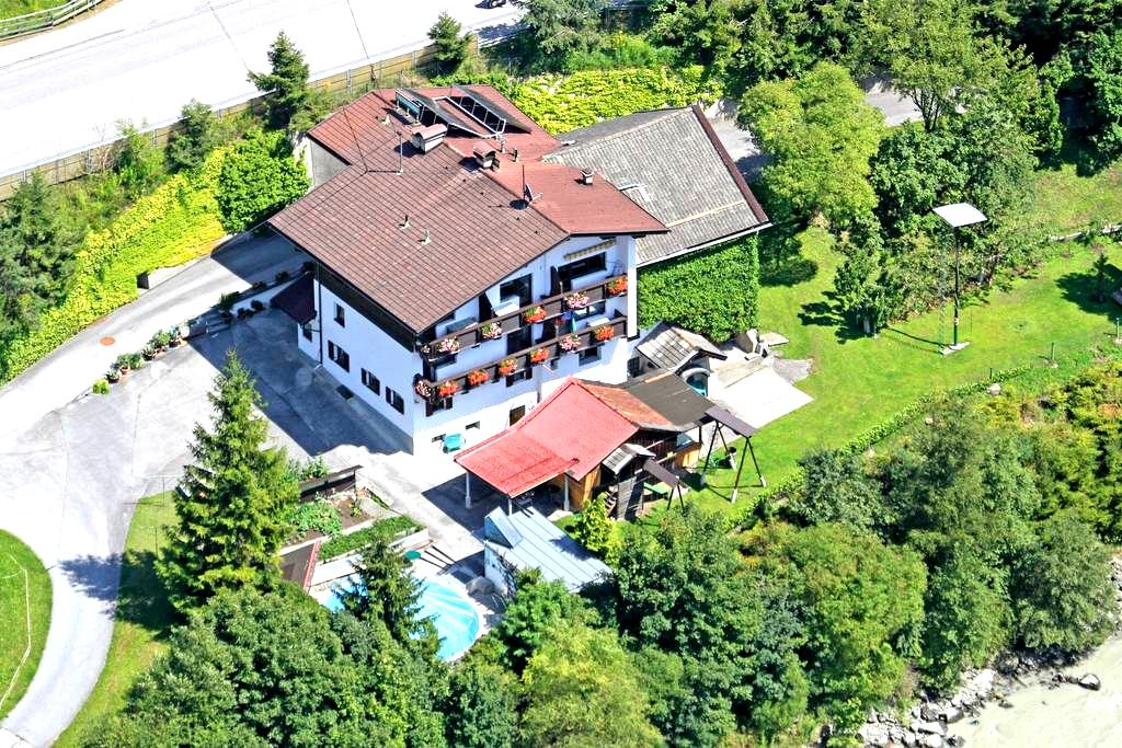 Apartment am Fluss im Ötztal - Oetz - Apartment