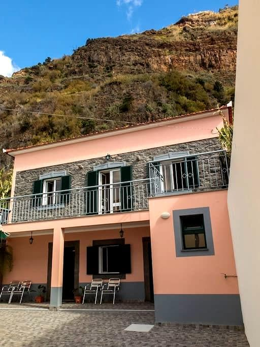 Madalena do Mar Beach House - Madeira - Haus