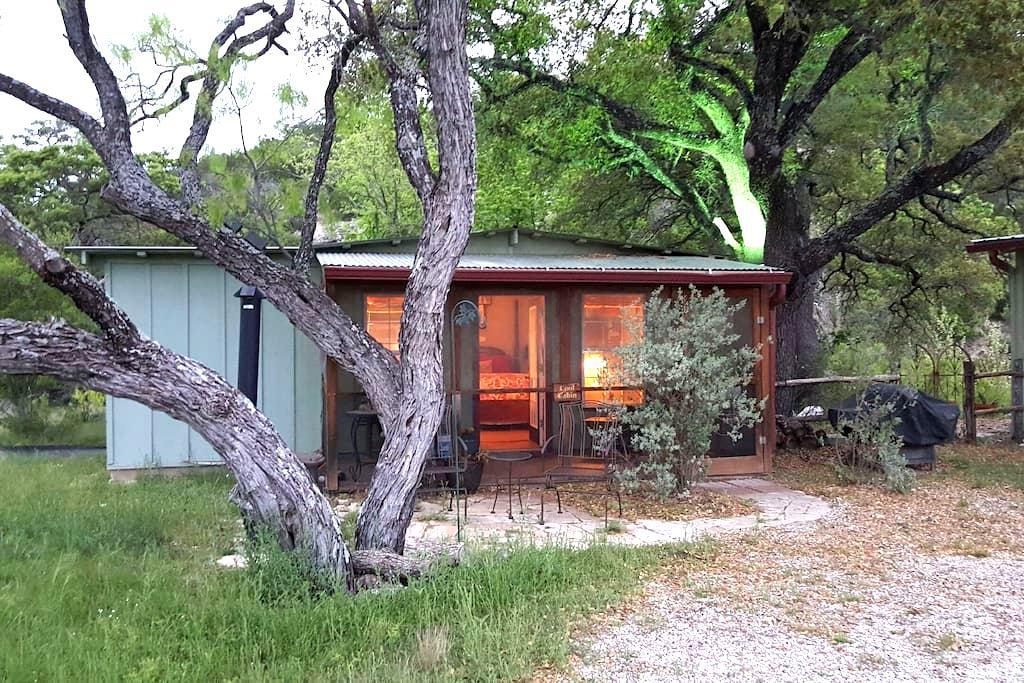 "Schuster Ranch ""Cool Cabin"" - Junction - Cabane"