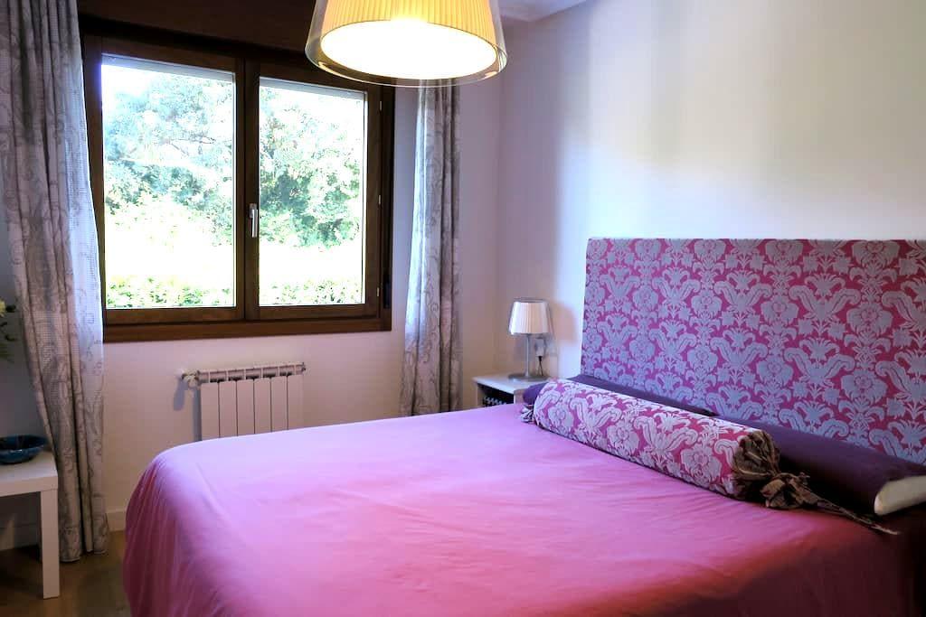 Habitación en chalet con gimnasio y jacuzzi. - Asturias