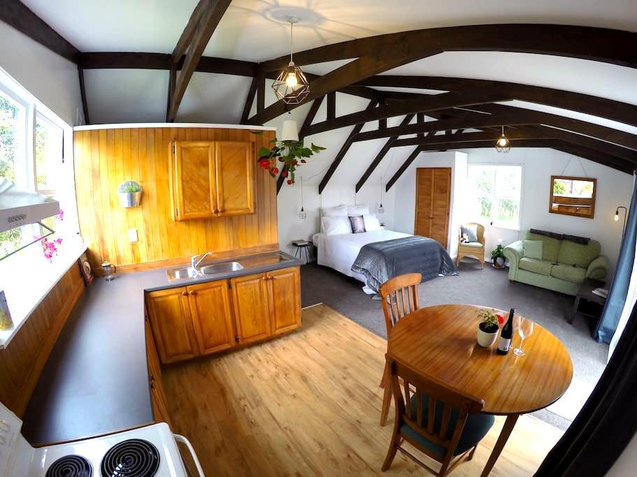Muriwai Homestead Cottage - Muriwai - Leilighet