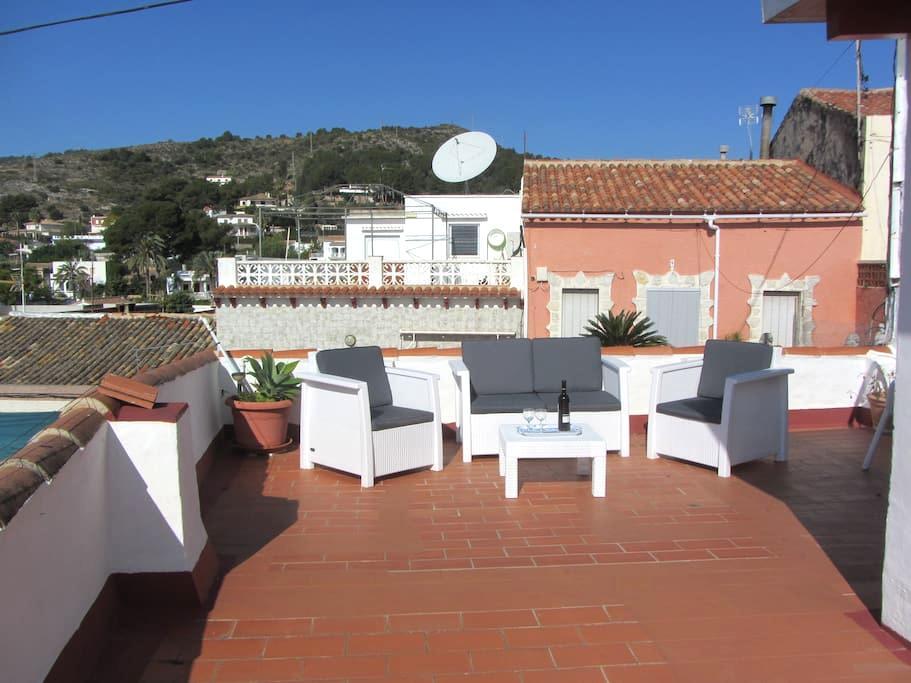 2 bedroom bungalow, huge terrace , & views of Med. - Oliva - Villa