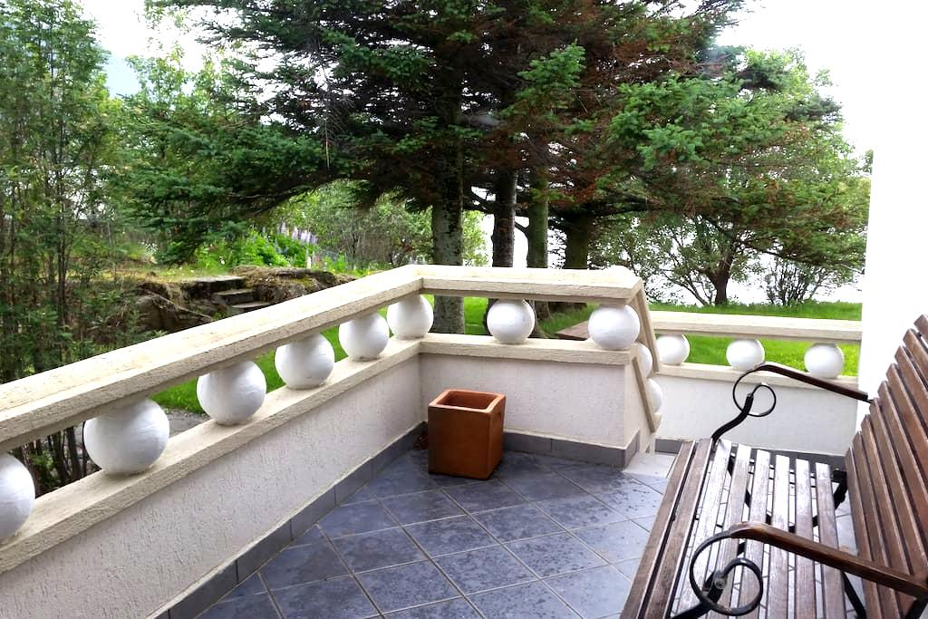 Room w/Private Balcony on the sea in Borgarnes - Borgarnes - Bed & Breakfast