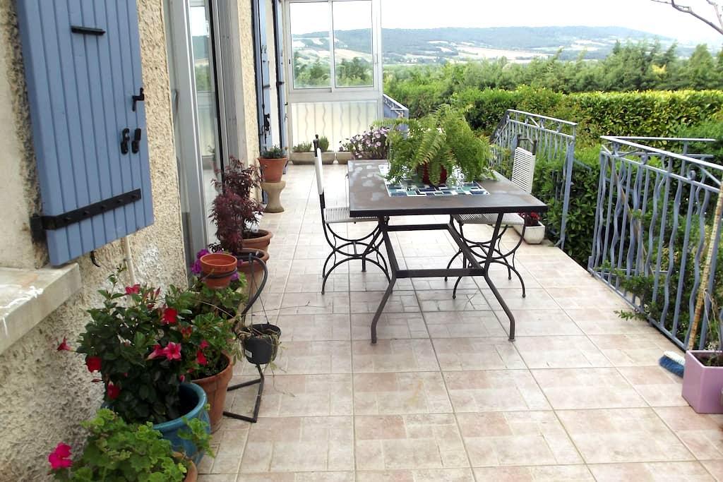 Belle chambre près de Vaison pour 2 - Buisson - Villa