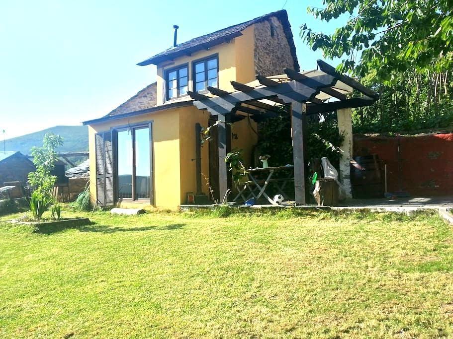 Casa rural Moldes - Moldes - House