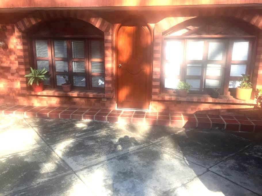 Apartaestudio zona campestre, apartment in suburb - Cali - Kondominium