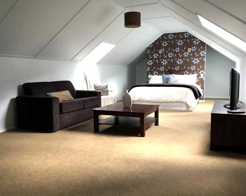 Atley Lofts, Queenstown - Arthurs Point - Bed & Breakfast