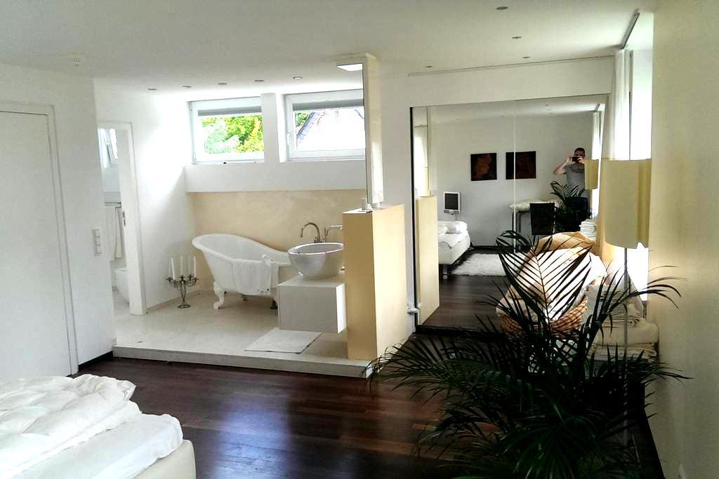 Room in Designer House near Frankfu - Obertshausen