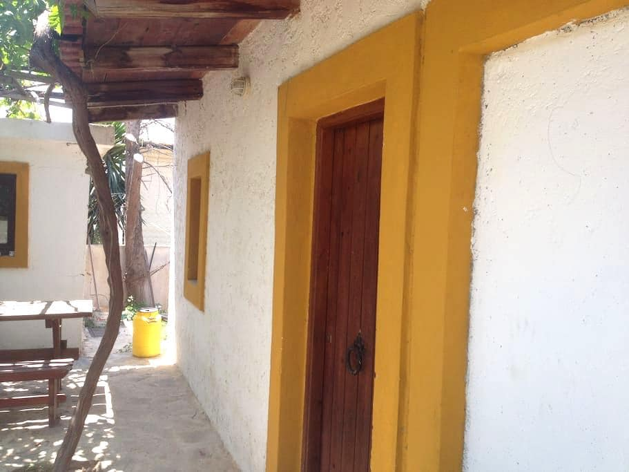 Beach Villa - Καρτερός - Talo