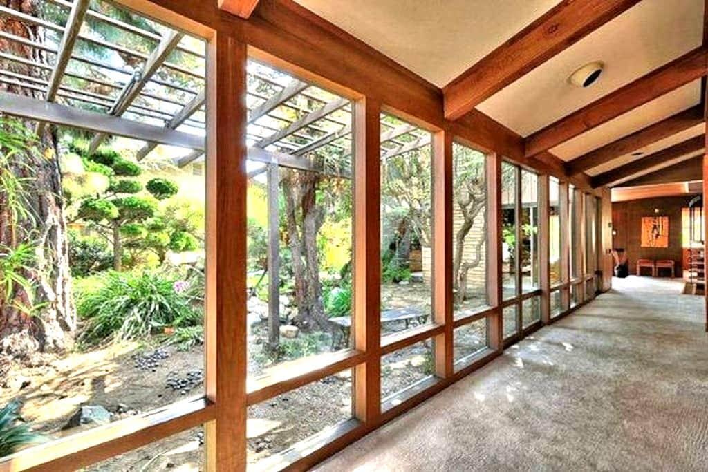 Frank Lloyd Wright Style Oasis #4 - 奥克斯纳德(Oxnard) - 住宿加早餐