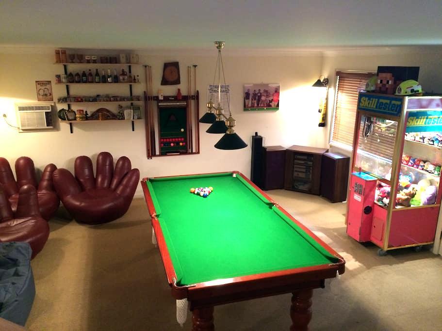 2 story Games Room, Bar + Bedroom - Aberdare