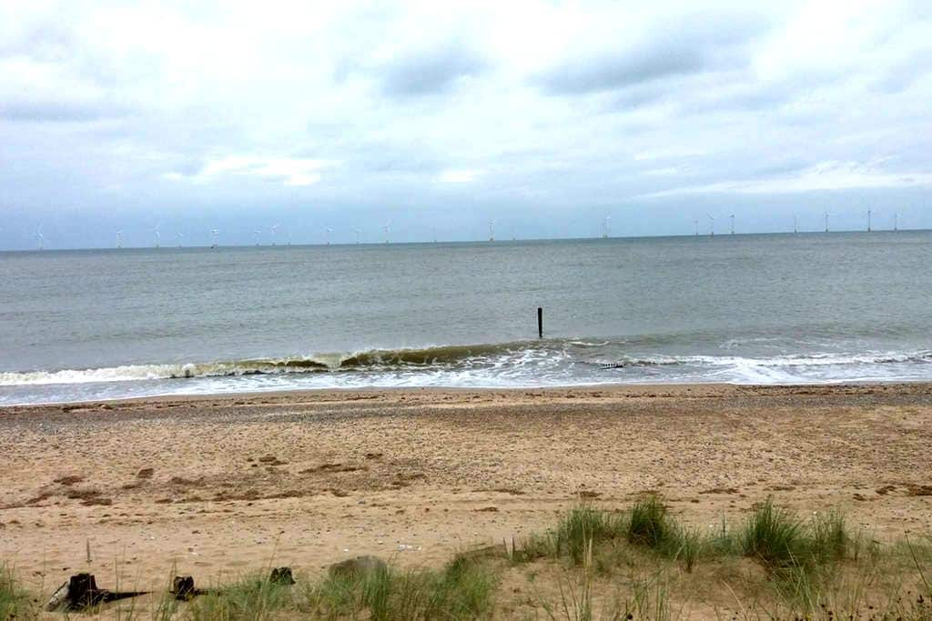 Cosy Beach Cottage - Caister-on-Sea - บ้าน