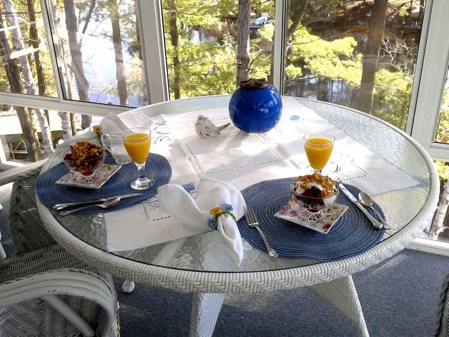 Lillian's Cottage B&B Williams Room - Huntsville - Bed & Breakfast