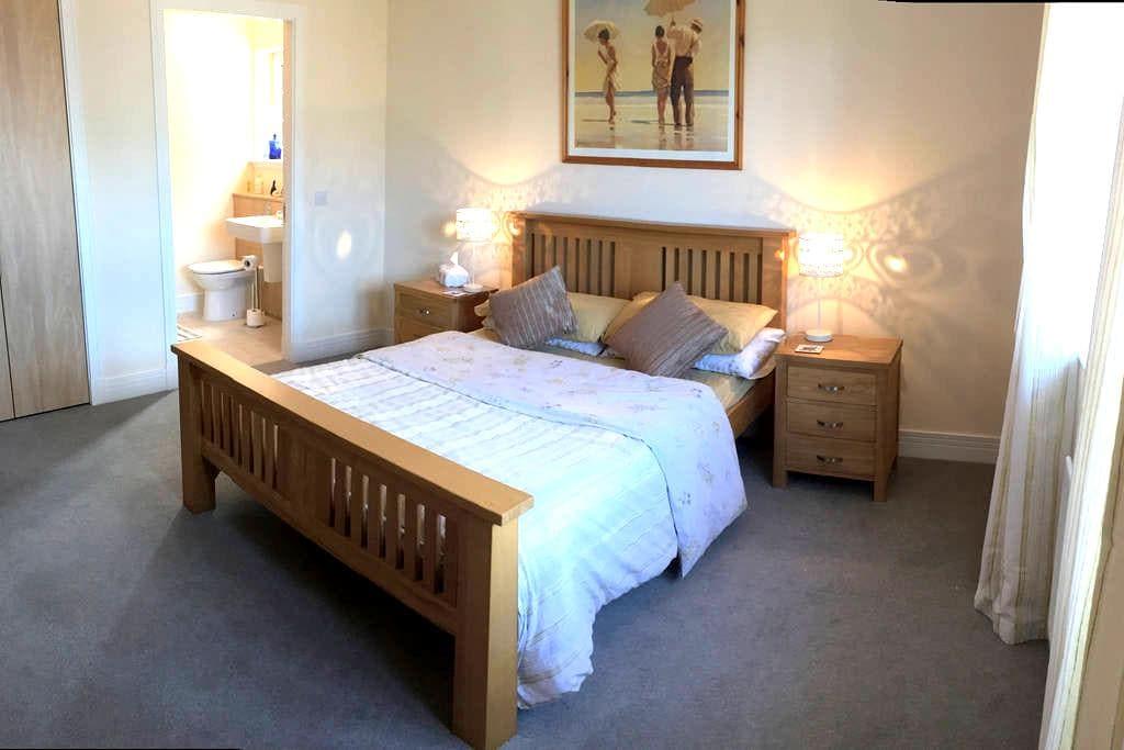 Double room ensuite - North Berwick
