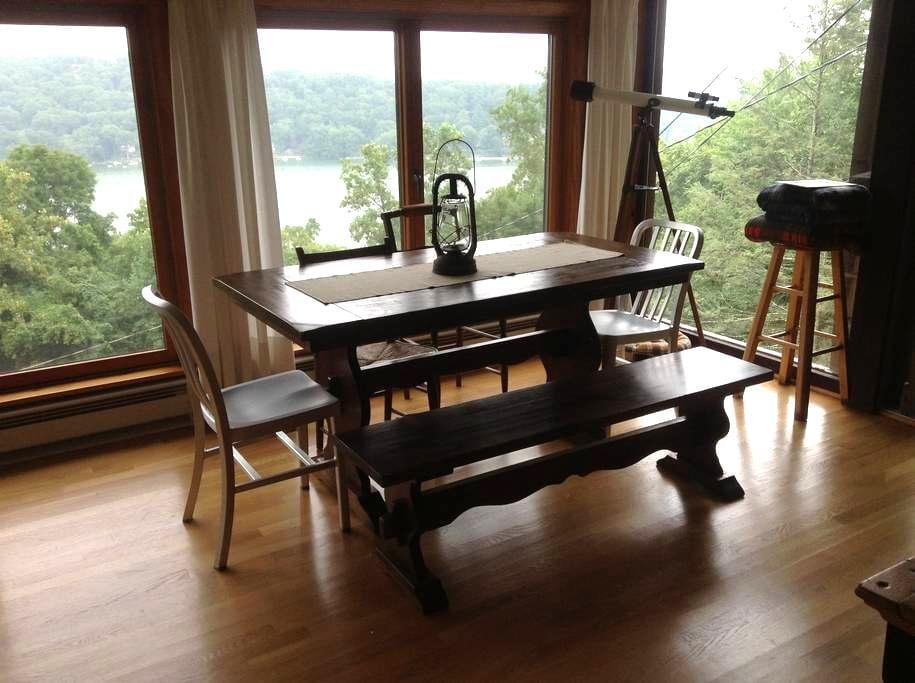 Candlewood Lake Cabin, The Overlook - New Fairfield