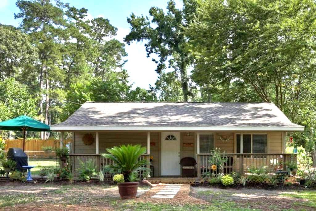 Country Cottage in The Woodlands - Conroe - Maison
