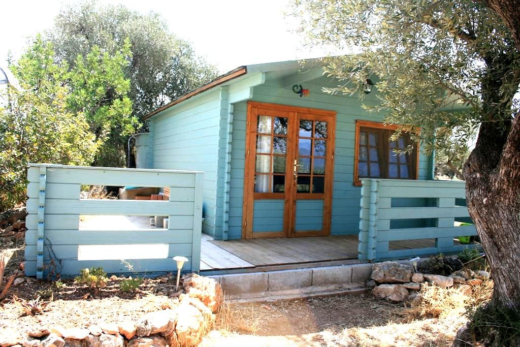 Off-grid cabin for 2, with views of Els Ports. - Tivenys - Casa de campo