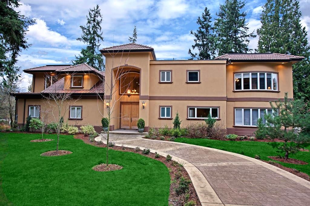 Live the luxurious lifestyle - No cleaning fees! - Bellevue
