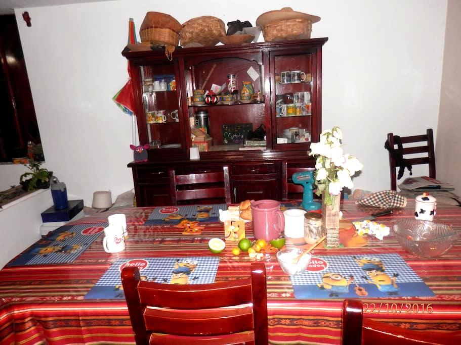 KICHWA INDIGENOUS FAMILY HOUSE NEXT TO WATERFALLS - Otavalo - Rumah