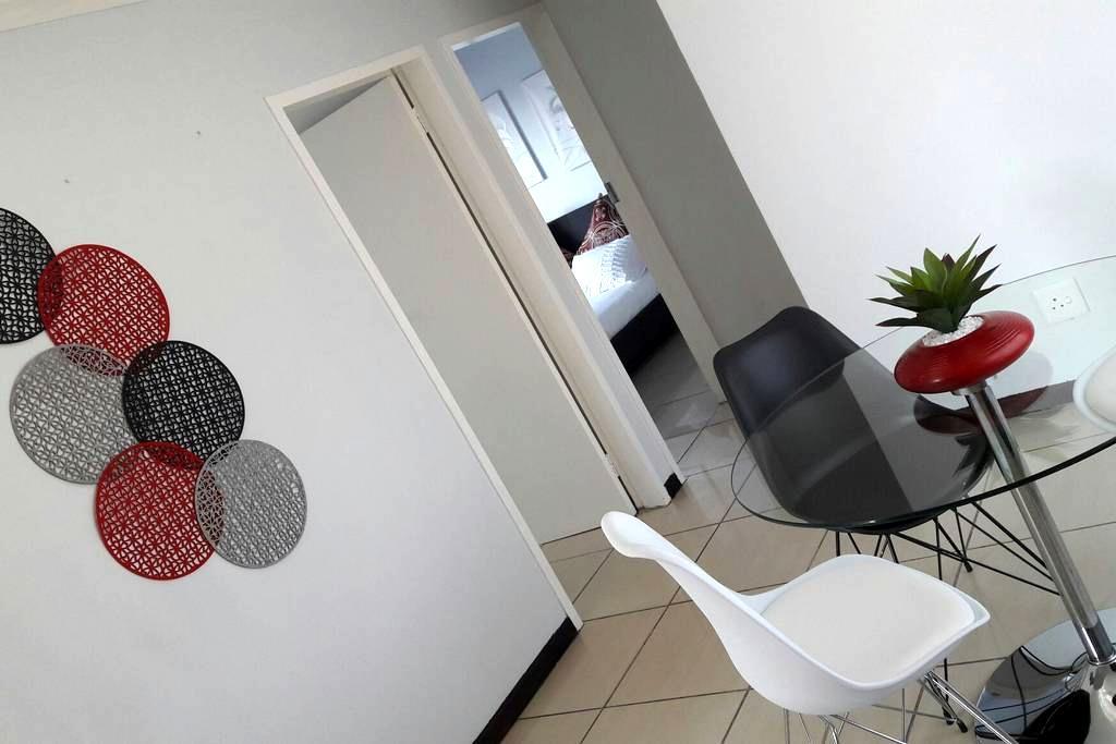 Oryx Apartment Rentals - Centurion - Huoneisto