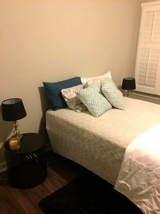 Brand new custom home, college town - Auburn
