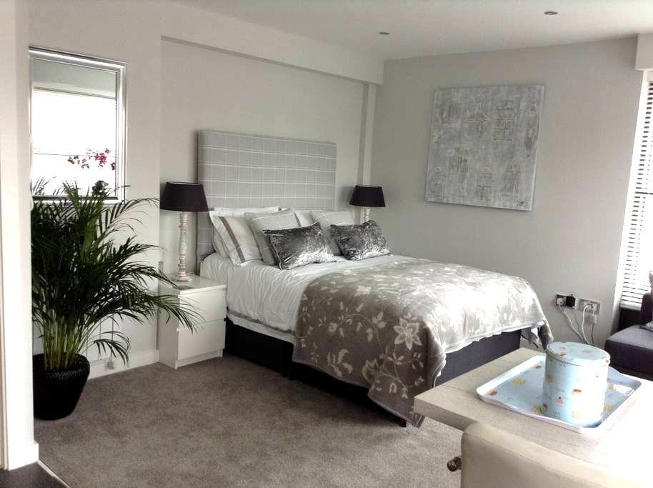 *NEW* luxury studio close to York Minster - York - Lejlighed