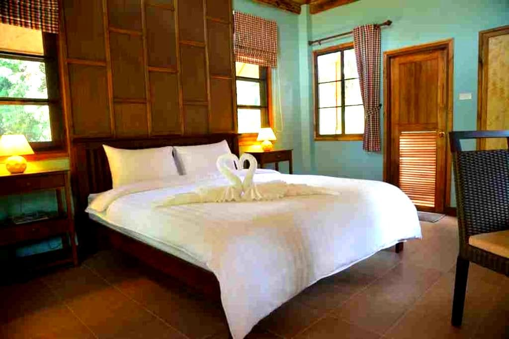 At Home Chiang Dao Resort - Chiang Dao - Stuga