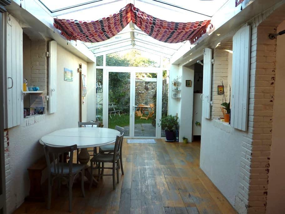 Maison lumineuse - La Roche-sur-Yon - Casa