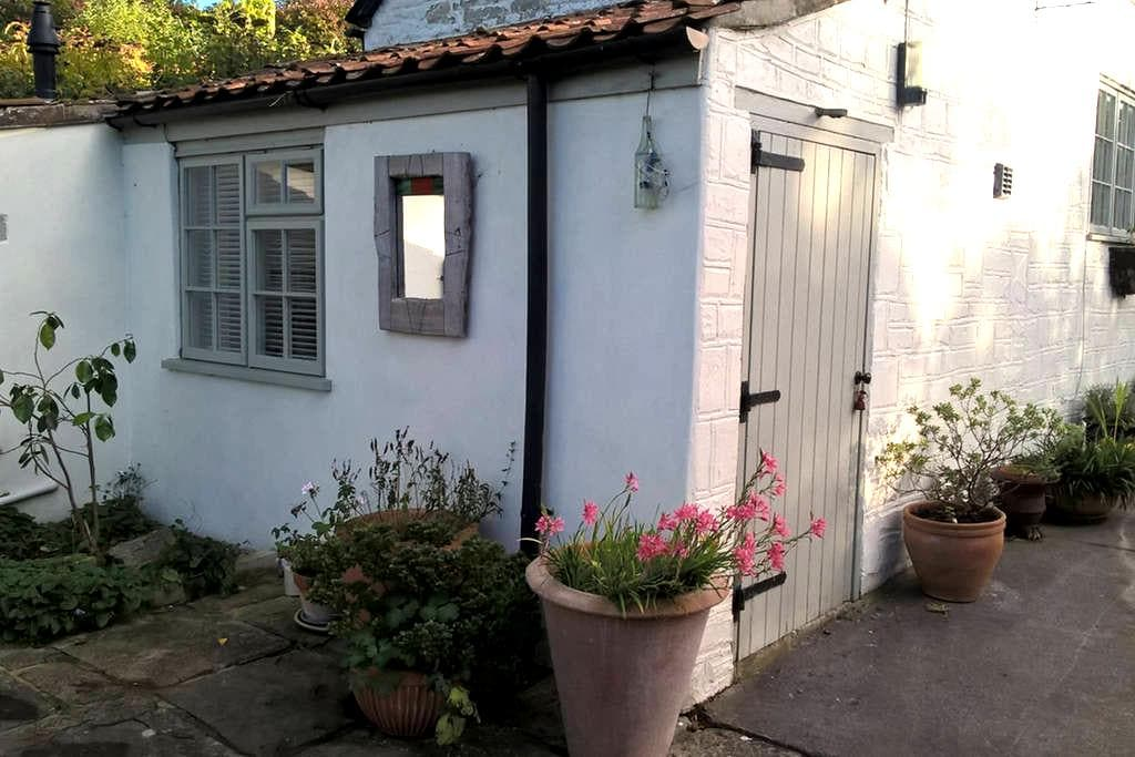Stylish Accommodation in Converted Barn - Compton Dundon - Guesthouse
