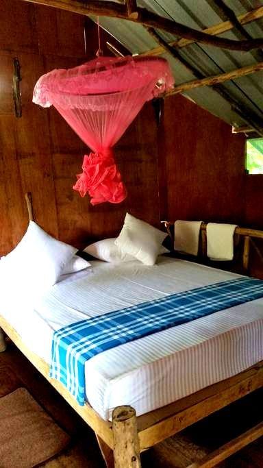 Sigiriya Riverside Villa Tree House #1 - Sigiriya - Oda + Kahvaltı