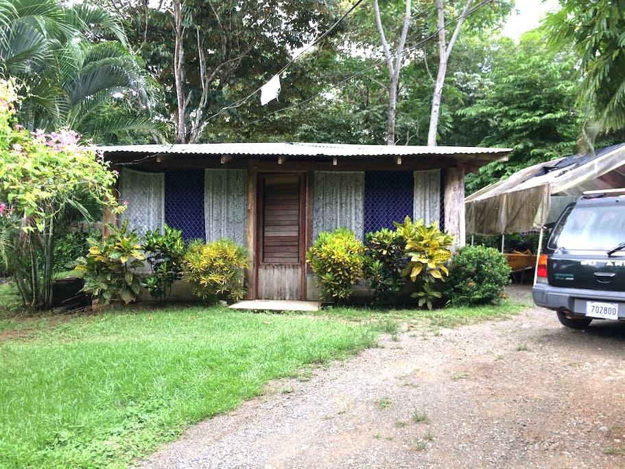 Habitación para dos personas en PJ. - Golfito - Rumah