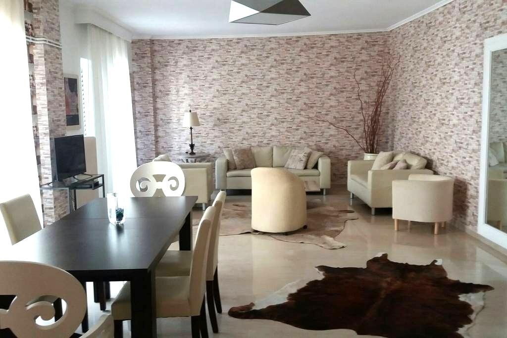 In the heart of Thessaloniki 180sqm - Selanik - Daire